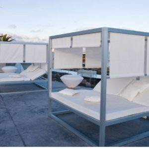 elevated day bed
