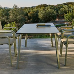 stack dining table